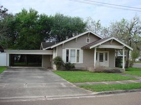 Residential Sold: 301 E. Reuss Blvd