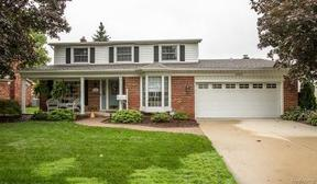 Residential Active: 16697 Golfview Street