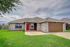 Needville TX Residential Active: $187,000