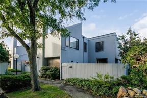 Residential Sold: 4 Cypress Lane #4