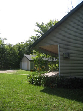 Lease/Rentals Rental: 110 Carrie's Cottage - Inland