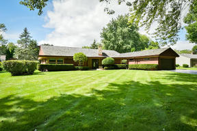 Bayside WI Residential Sale Pending: $375,000
