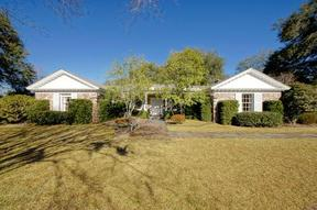 Residential Sold: 10 Country Club Dr