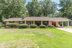 Starkville MS Residential Active: $174,000