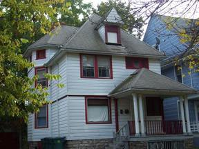 Residential Active: 208 Kenwood Ave