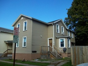 Residential Active: 231 Kenwood Ave