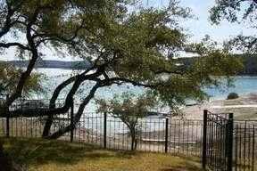 Residential Sold: 758 Pr 262