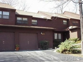 Residential Sold: 20 Woods Brooke Ct
