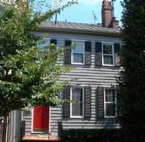 Residential Sold: 208 5th Street SE