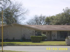 Residential Sold: 104 Oakmont Circle