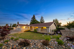 Single Family Home For Sale: 2181 Capitola Way