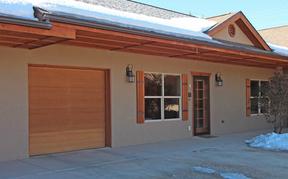 Single Family Home Sold: 235 N Chestnut St