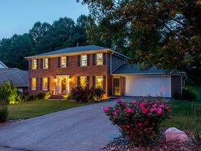 Residential Sold: 100 Stonehenge