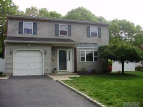 Residential Sold: 22 Shetland Lane