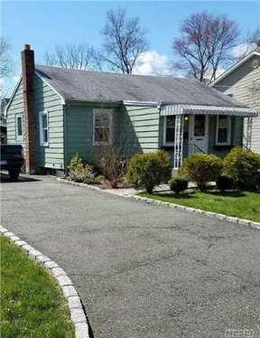 Residential Sold: 20 Vassar Pl