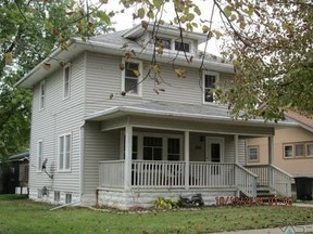 Residential Sold: 208 Broad St