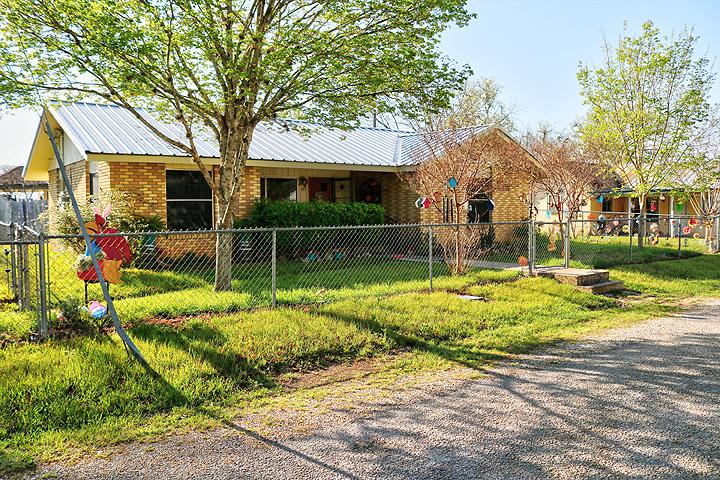Adorable Home for Winter Texan in Medina Texas