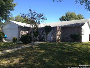 Single Family Home Sold: 906 Saddlebrook Dr