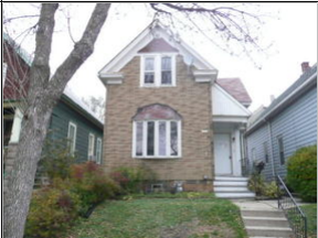 Single Family Home Sold: 2224 S Robinson Ave