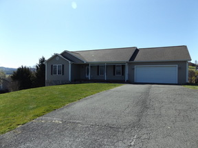 Residential Sold: 326 Stonebrook Dr.