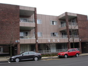 Commercial For Lease: 800 Oak Street #109