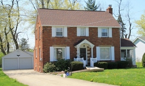 Residential Sold: 974 Woodland Rd