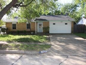 Single Family Home Sold: 157 W Way Cir