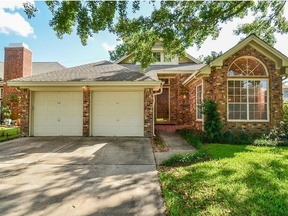 Single Family Home Sold: 2923 Plantation Wood Ln