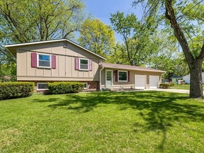 Single Family Home Sold: 9300 W 99th Ter
