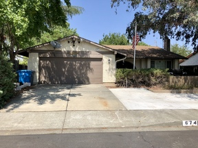Single Family Home Sold: 674 Claremont Dr
