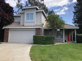 Single Family Home Sold: 424 Harvest Cir