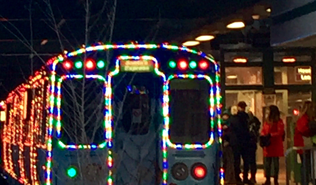 Chicago CTA Christmas Holiday Express - Chicago Evanston Wilmette Skokie