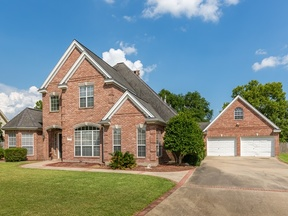 Single Family Home Sold: 814 Carriage Ln