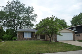 Single Family Home Sold: 22512 Lakeshore Dr.