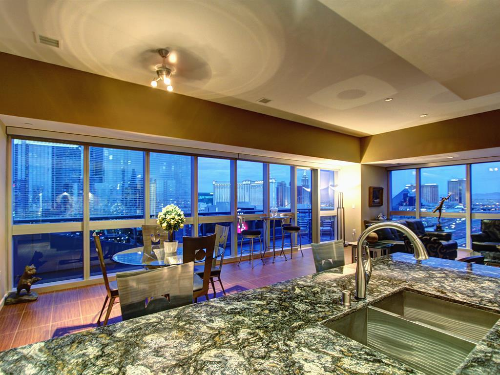 the-martin-las-vegas-former-tobey-mcguire-unit-floor-17-SOLD-by-the-stark-team-las-vegas-real-estate