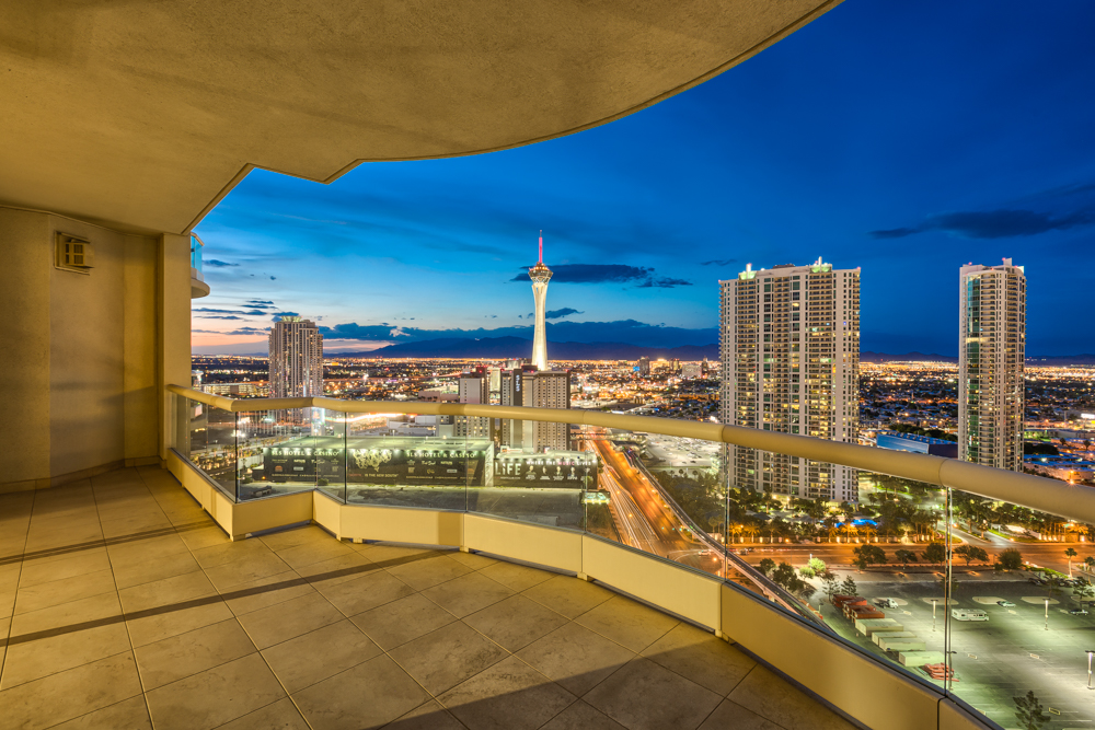 Turnberry-Place-Penthouse-28th-floor-Las-Vegas