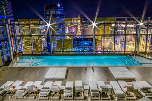 veer-towers-rooftop-pool