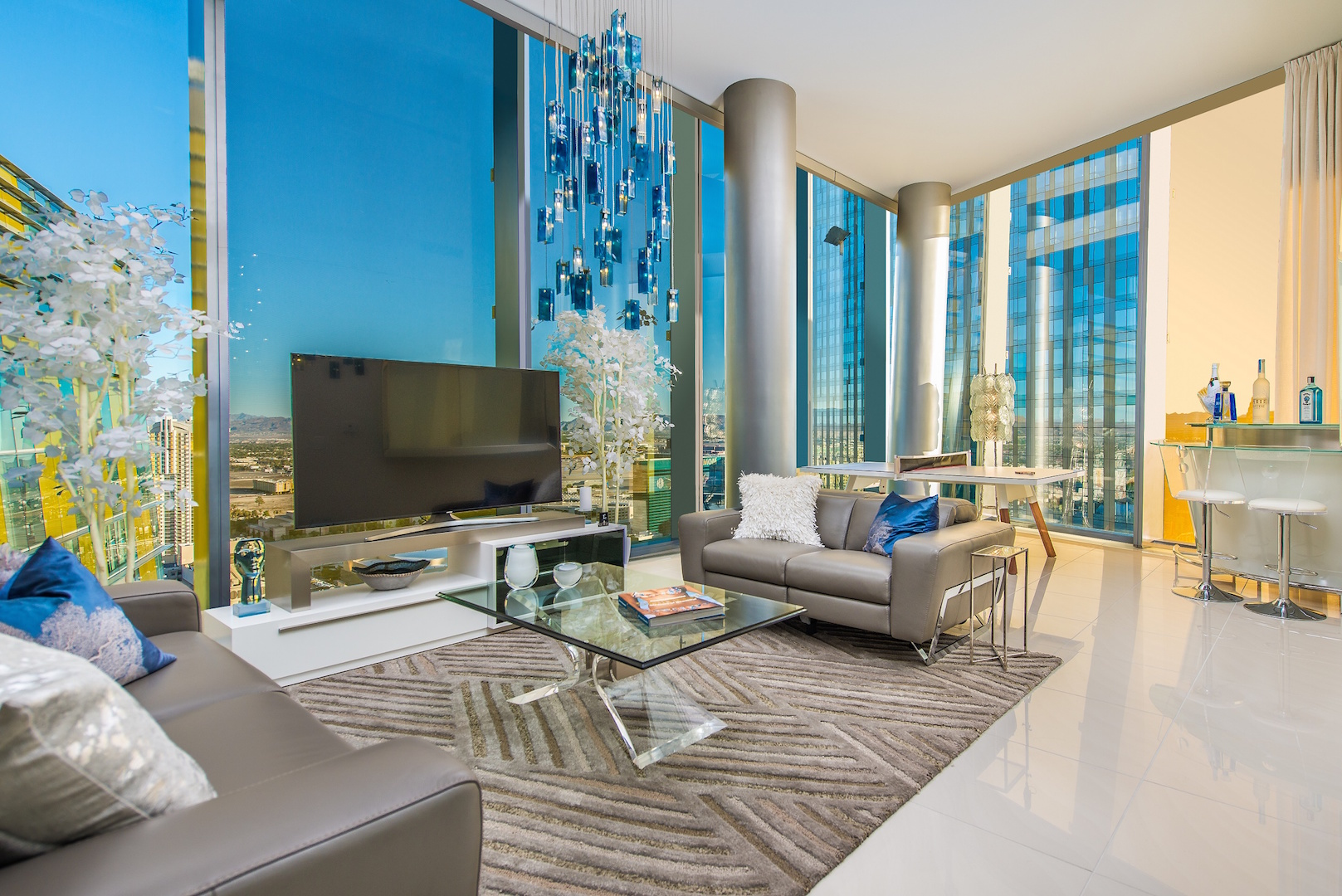 veer-towers-las-vegas-penthouse-for-sale