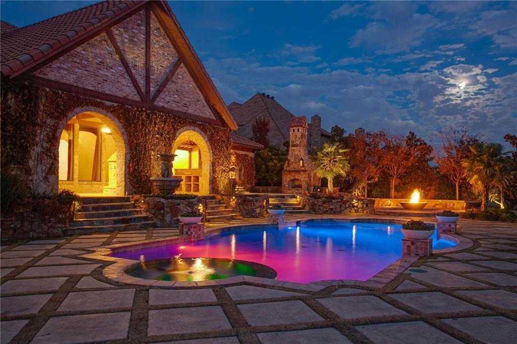 pool homes in 76262