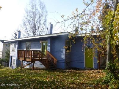 Anchorage Single Family Home For Sale: 440 E 15th Terrace