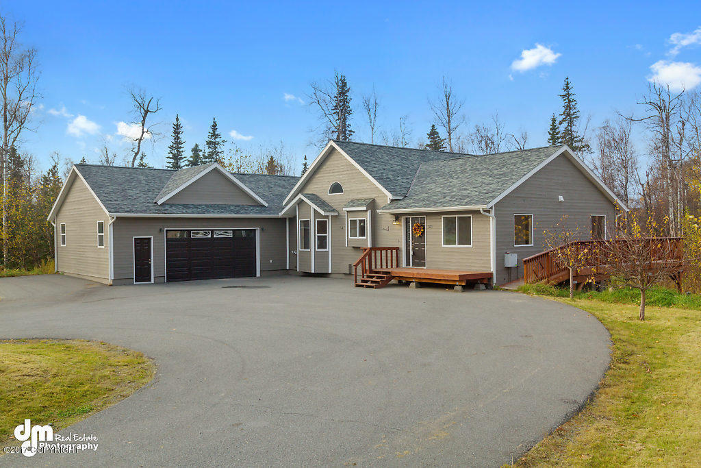 521 W Lake View Avenue, Wasilla, AK.| MLS# 17-16998 | ndy ... Alaska Wasilla House Plans on kodiak alaska houses, craig alaska houses, sitka alaska houses, bethel alaska houses, nightmute alaska houses, sand point alaska houses, nome alaska houses, mcgrath alaska houses,