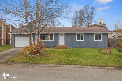 Anchorage Single Family Home For Sale: 1715 Dolina Circle
