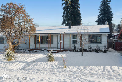 Anchorage AK Single Family Home For Sale: $215,000