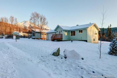 Anchorage AK Single Family Home For Sale: $439,000