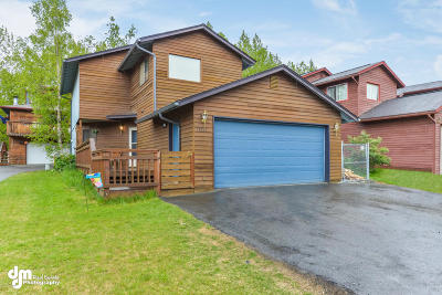 Eagle River Single Family Home For Sale: 17691 Beaujolais Drive