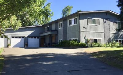 Anchorage Single Family Home For Sale: 1821 Bluegrass Circle
