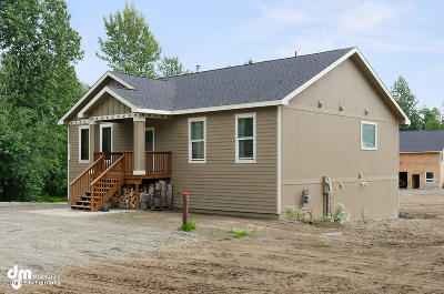 Wasilla Single Family Home For Sale: 2231 N Douglas Drive