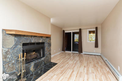 Anchorage Condo/Townhouse For Sale: 9700 Vanguard Drive #70