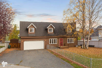 Anchorage Single Family Home For Sale: 811 Jay Circle