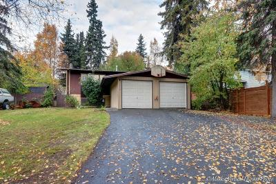 Anchorage Single Family Home For Sale: 7530 Blackberry Street